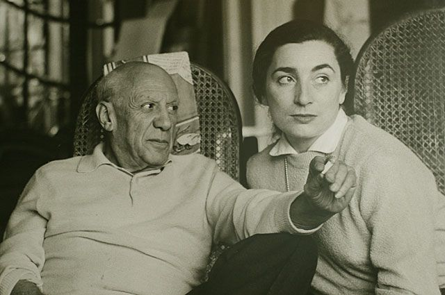 Пабло Пикассо и Жаклин Рок. Не позднее 1973 года.