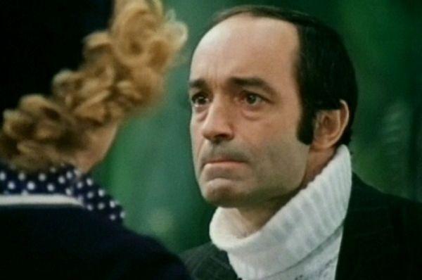 В трагикомедии Эльдара Рязанова «Гараж» Валентин Гафт сыграл одну из главных ролей картины – председателя правления кооператива Сидорина.