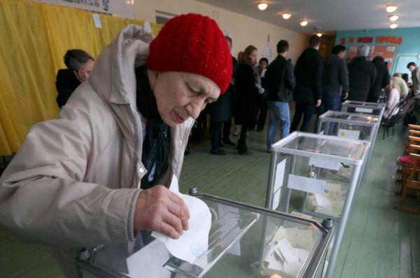 По словам главы комиссии Верховного совета Крыма по проведению референдума Михаила Малышева, подобной активности за весь период его работы «никогда не было».