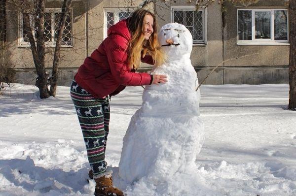 Это снеговик-хипстер