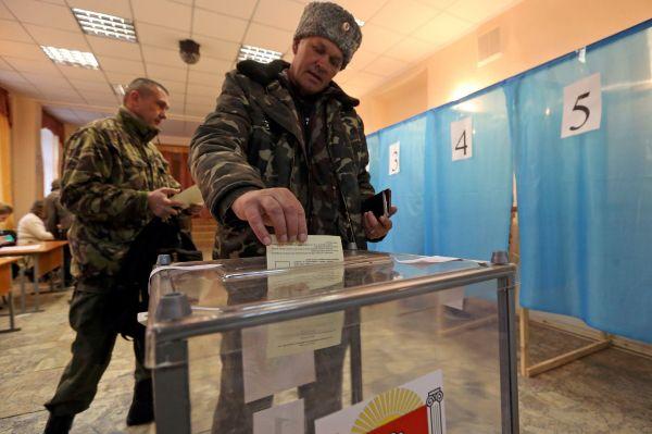 Для референдума крымские власти подготовили бюллетени на трех языках – русском, украинском и крымско-татарском.