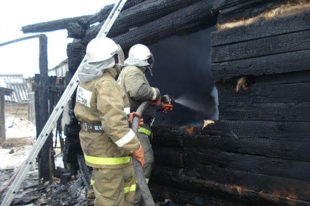 Пожар в Тевризском районе унёс жизни четырёх человек.
