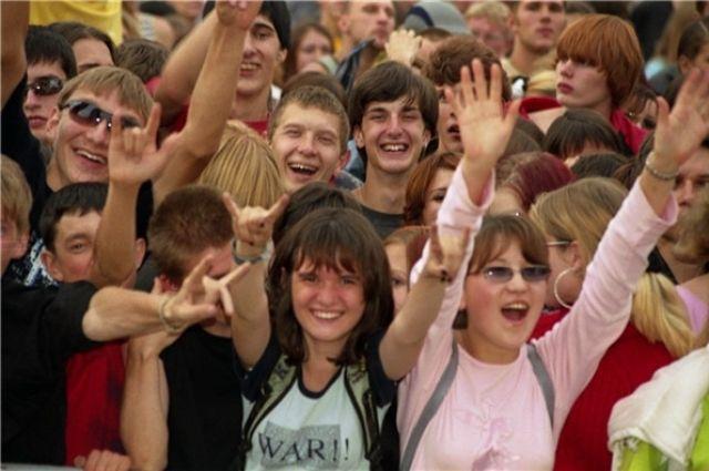 Омскую молодёжь хотят привлечь в молодёжные клубы.