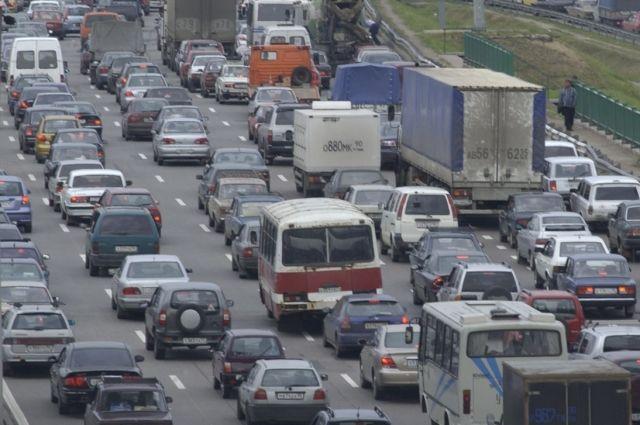 В Омске столкнулись два легковых автомобиля.