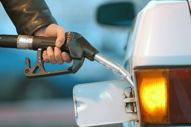 В Омске повысились цены на бензин.