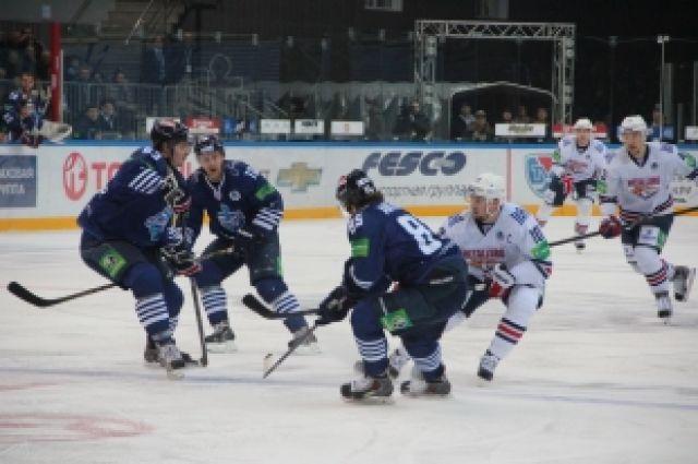 «Металлург» против «Адмирала», матч в Фетисов Арене.