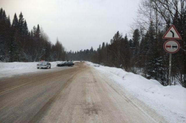 На трассе «Тюмень - Омск» произошло столкновение двух автомобилей.