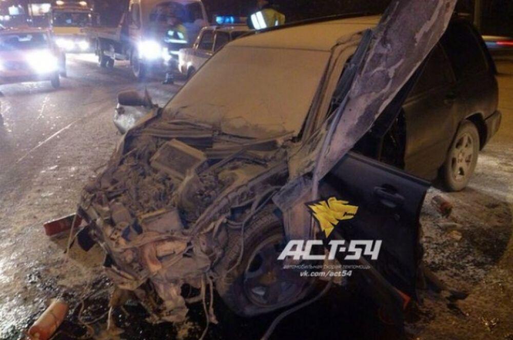 По данным службы эвакуации АСТ-54, ДТП произошло по вине пешехода, переходившего дорогу в неположенном месте.
