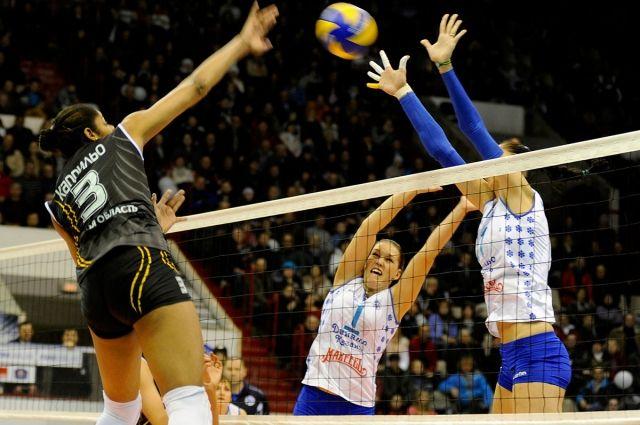 Омские волейболистки встретятся с соперницами из Казани.