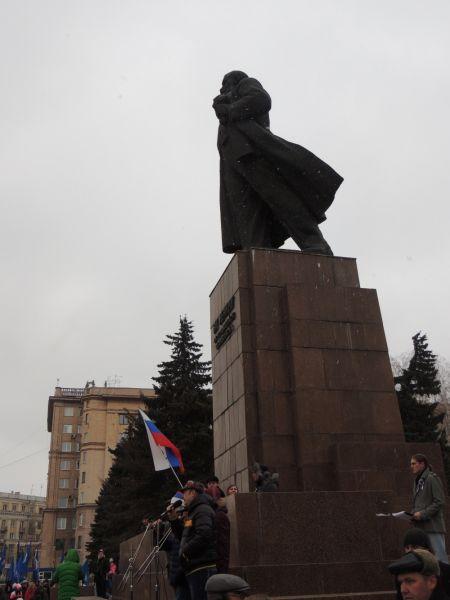 По традиции митинг прошел на площади Революции.