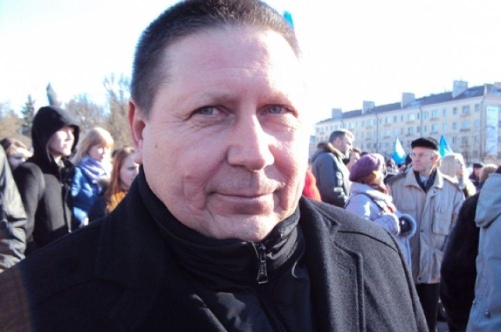 руководитель городского совета сторонников «Единой России» Николай Журавлев»