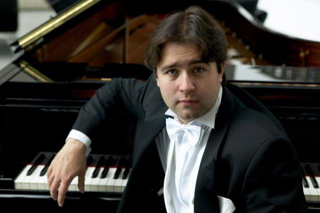 Московский пианист Алексей Володин выступит в Омске с концертом.