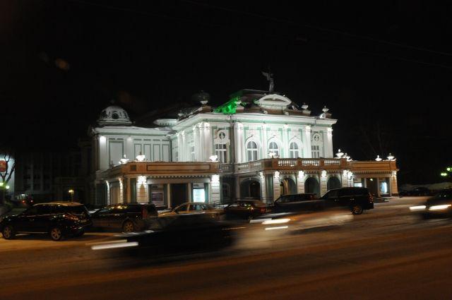 Спектакль Омского драмтеатра покажут в прямом эфире.