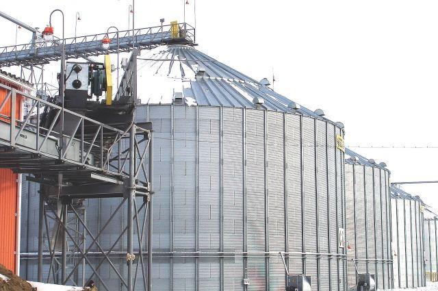 Масличный завод заработает в третьем квартале 2014 года.