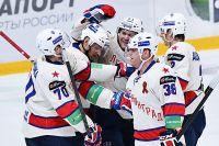 Игроки команды СКА в матче 1/8 финала Континентальной хоккейной лиги.