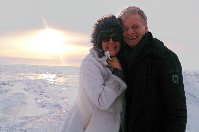Любовь Казарновская со своим мужем на Байкале.