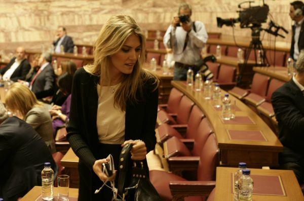 Ева Кайли уже несколько лет остаётся членом Парламента Греции и теперь также занимает пост организации, защищающей права греков за пределами страны, и является членом комитета по вопросам национальной обороны и иностранных дел. Перед тем как начать карьеру политика Кайли несколько лет работала журналистом и телеведущим.