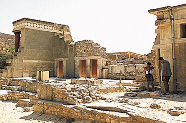 Дворец царя Миноса на острове Крит.