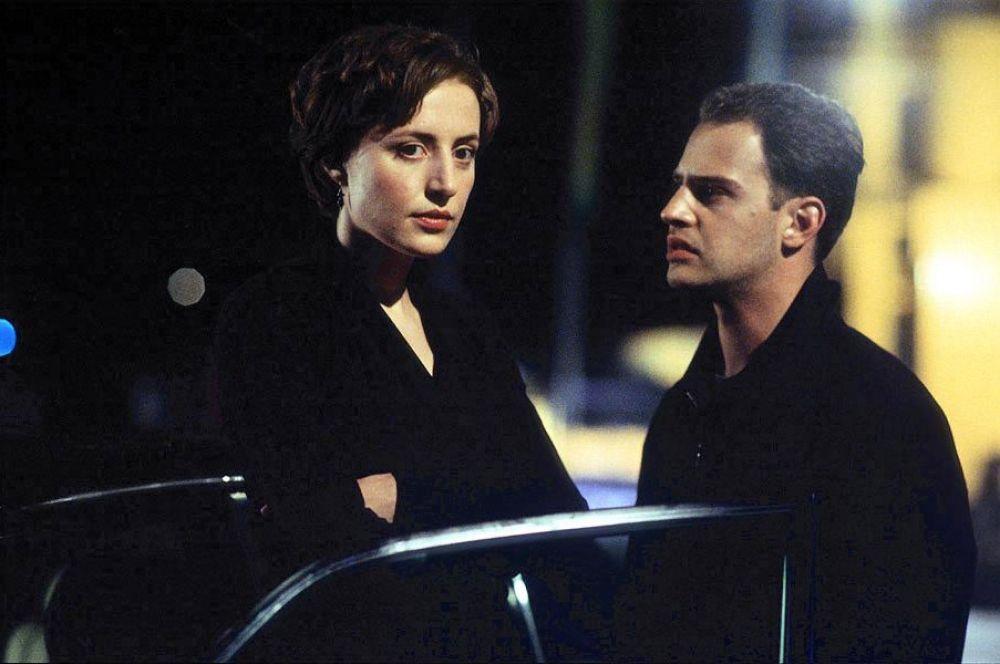В немецком фильме «Эксперимент» главный герой, бывший журналист, для того, чтобы свести концы с концами вынужден устроиться таксистом, после чего решается принять участие в необычном научном исследовании.