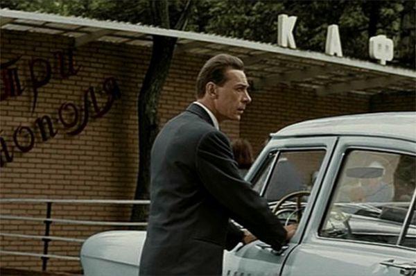 В мелодраме Татьяны Лиозновой «Три тополя на Плющихе» главный герой Саша работал таксистом – его вежливость и интеллигентность поразили Нюру, что и стало основой сюжета.