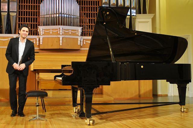 Эдуард Кунц приехал в Омск с концертом и мастер-классом.