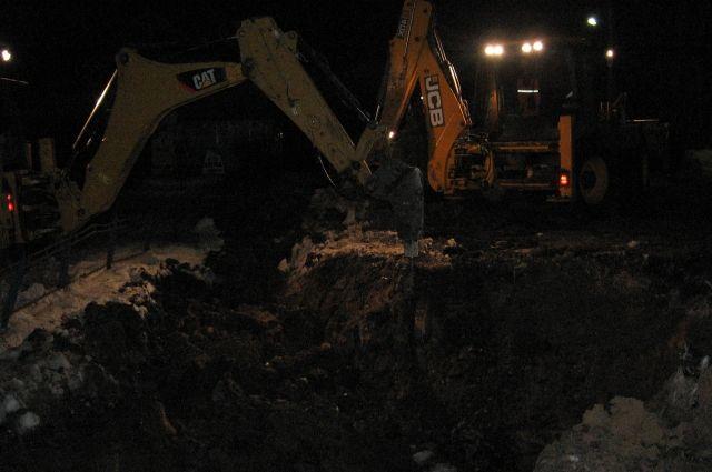 В Кормиловке продолжаются ремонтные работы.