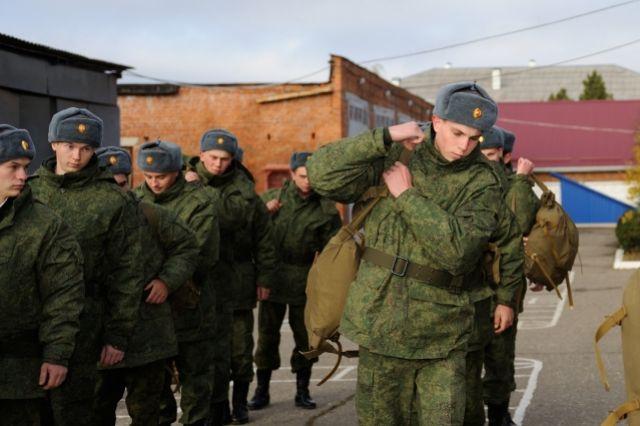 Четыре тысячи южноуральцев должны уйти в армию в весенний призыв