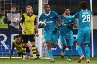 Аксель Витсель, Халк и Хосе Саломон Рондон в матче 1/8 финала Лиги чемпионов c ФК «Боруссия» Дортмунд.