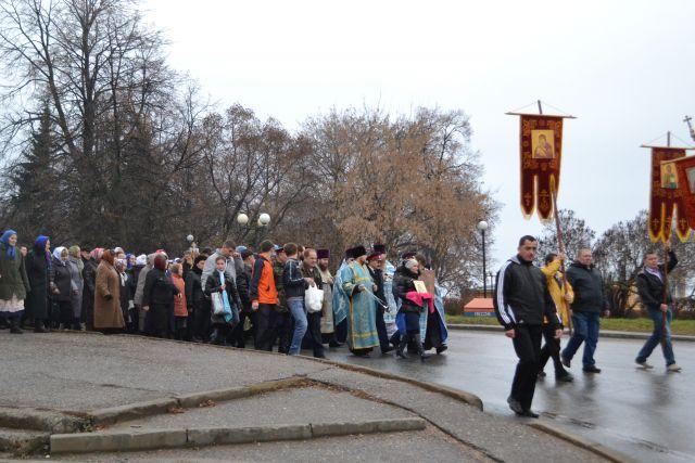 В Екатеринбурге состоялся крестный ход за мир на Украине
