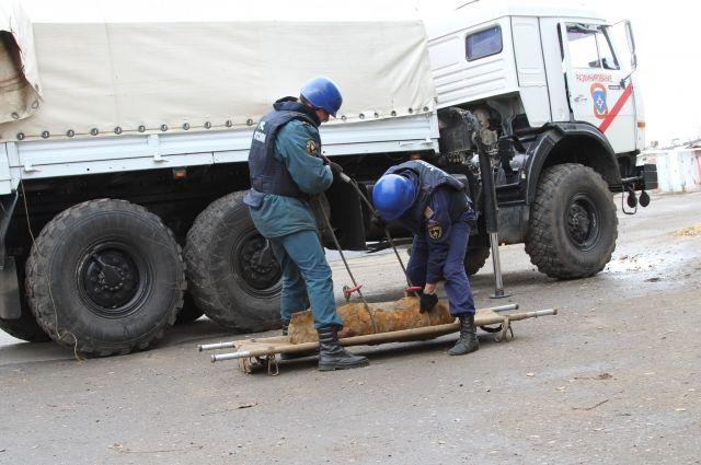 Вывоз боеприпасов - сложная и кропотливая работа, о проведении которой обычно не умалчивают.