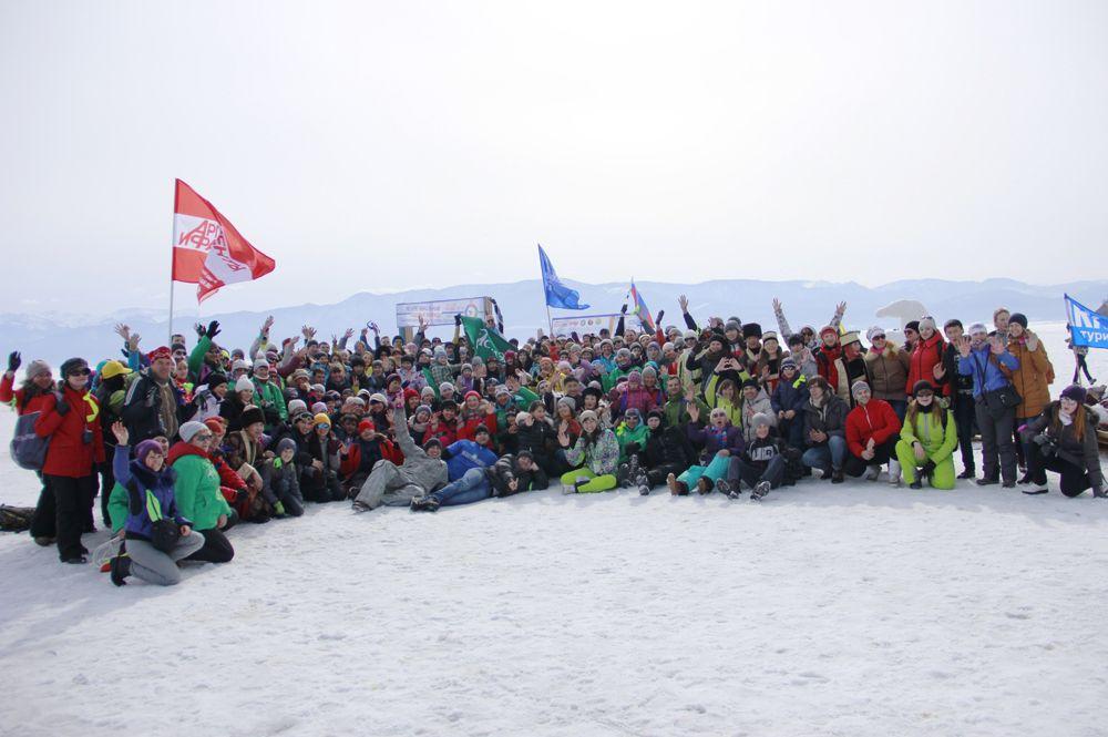 Кстати, в овремя пути от Ангасолки до Слюдянки по льду участники посчитали количество шагов, их оказалось ровно 25278 шагов. Что равняется 14 километрам.