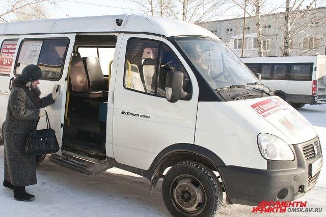 Чтобы с комфортом доехать до места назначения, нужно знать некоторые особенности о расположении мест в маршрутном такси.