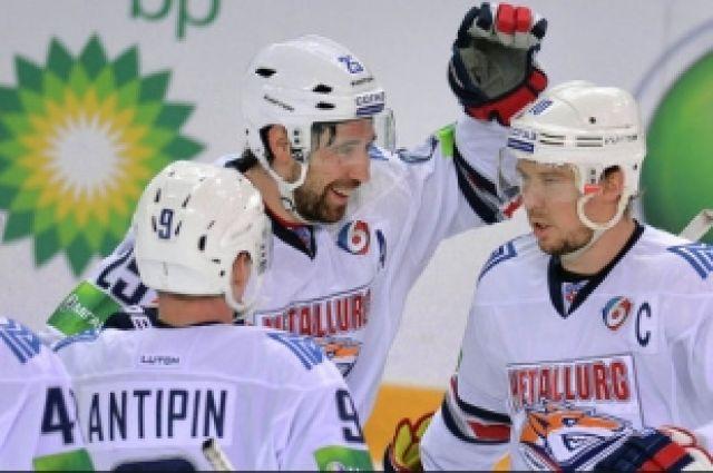 Магнитогорский «Металлург» повёл 3:0 в серии с «Сибирью»