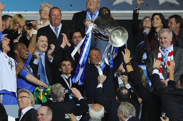 Роман Абрамович после бобеды ФК «Челси» в лиге чемпионов. 2012 год.
