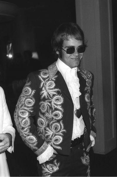 Элтон Джон на вечеринке в Беверли-Хиллз, 1971 год.