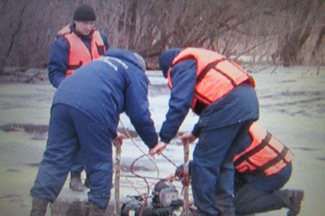 МЧС региона не собирается взрывать лед на Верх-Исетском пруду