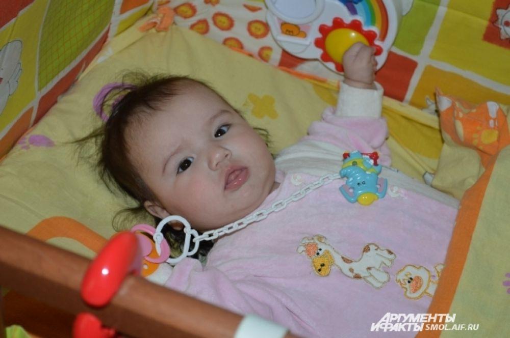 Малышке на фото - всего полгода.