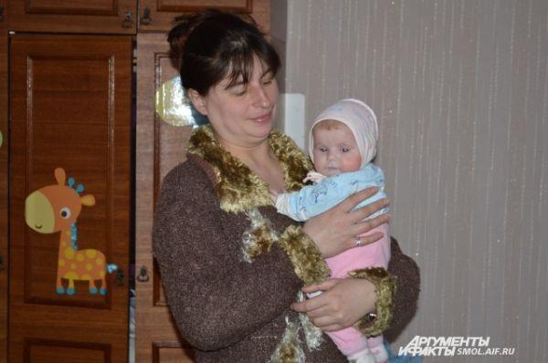 То же можно сказать и о возрасте мам: вопреки распространенному заблуждению, помощь требуется не только совсем юным мамам, но и взрослым женщинам.