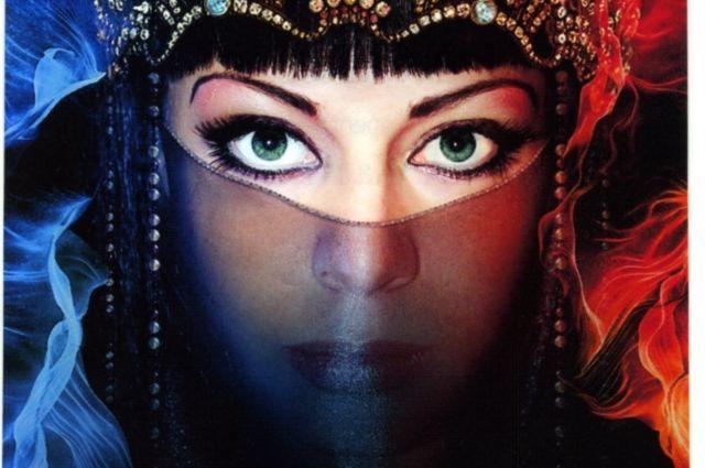 Спектакль «Царица-любовь» по пьесе Назыма Хикмета.