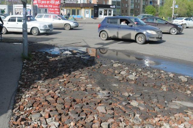 Омичи недовольны состоянием омских дорог.