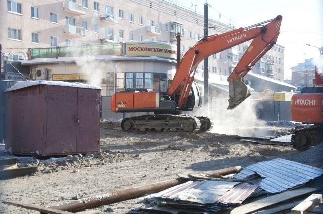 На Голубом огоньке продолжают строить подземный пешеходный переход.