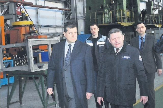 Олег Сорокин (слева): «Отчёты на предприятиях дадут обратную связь».