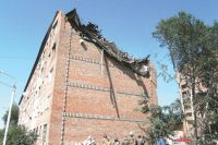 Дом на улице Осовиахимовской после взрыва восстанавливали три года.