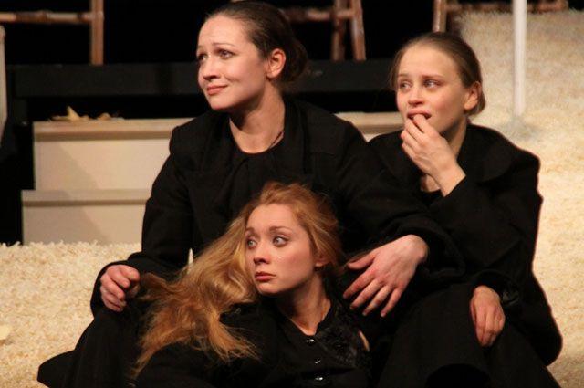 Анна Лузгина: «Спектакль «Три сестры» - один из моих любимых».