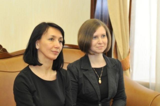 Елена Ижендеева (слева), Екатерина Канюка (справа)