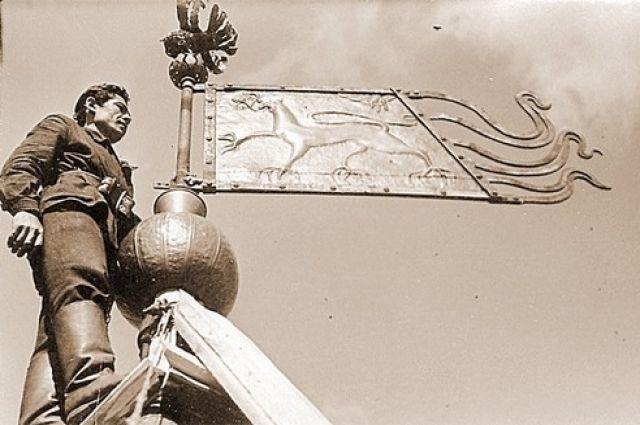 Кованый прапор Всеволода Смирнова