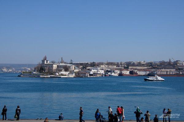 Севастополь. Набережная морского вокзала.