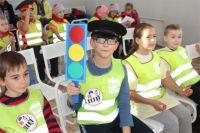 В Омском детском саду прошёл конкурс на знание ПДД.