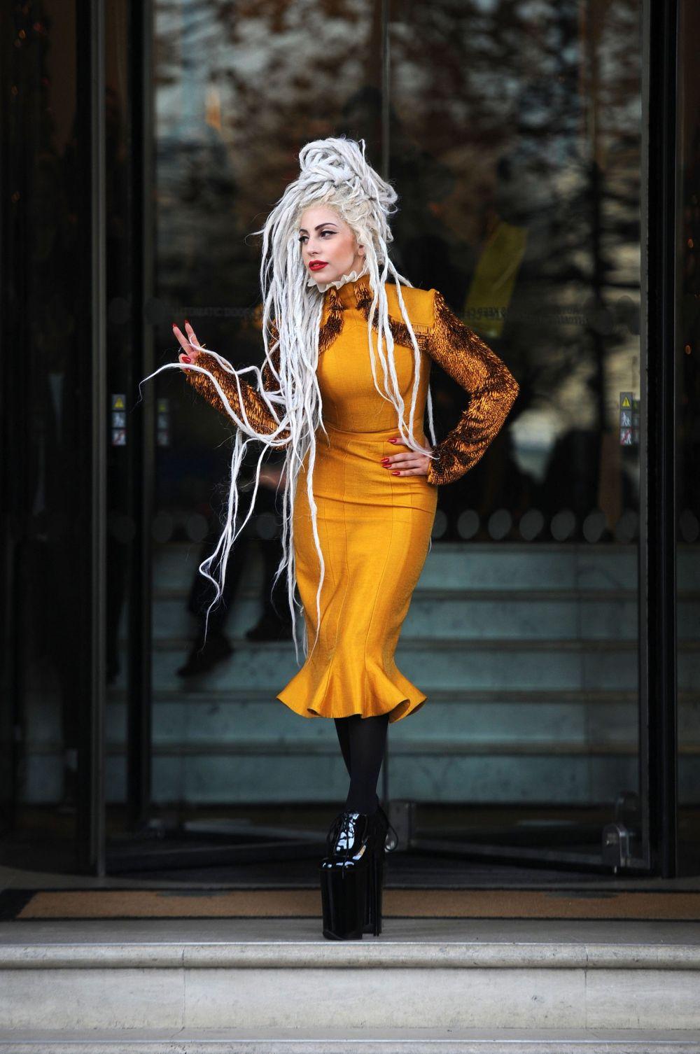 Новой пластинке Леди Гага не удалось повторить успеха The Fame или Born This Way, однако этот период её карьеры нельзя назвать застоем – она дебютировала в кино, снявшись в фильме «Мачете убивает», а также провела ряд успешных турне.