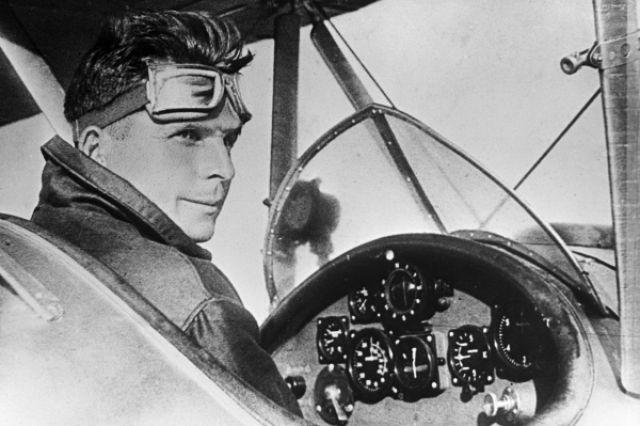 Сергей Ильюшин в кабине спортивного самолёта, 1937 год.